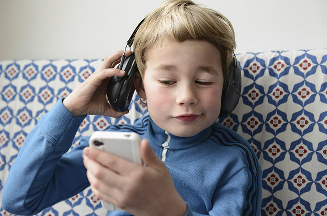 child-music-phone-headphones-biz-2015-billboard-650