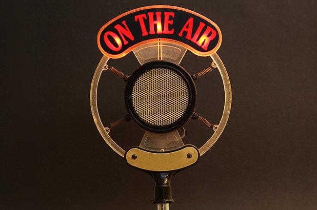 radio-microphone-biz-2015-billboard-650