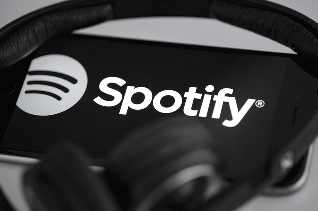 spotify-phone-logo-2017-billboard-1548